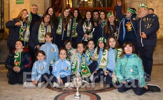 Vilanova rinde homenaje a la campeonas del Calmar Club Patí Vilanova