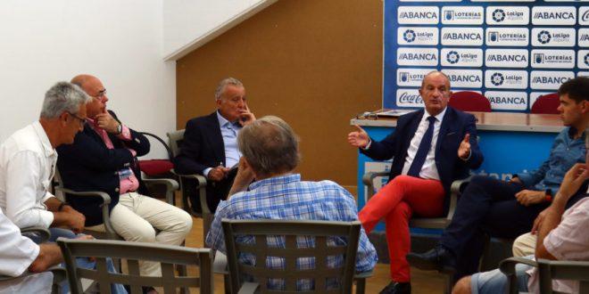 A coruña se convierte en el primer  banderín de enganche de los periodistas deportivos gallegos a la aepd