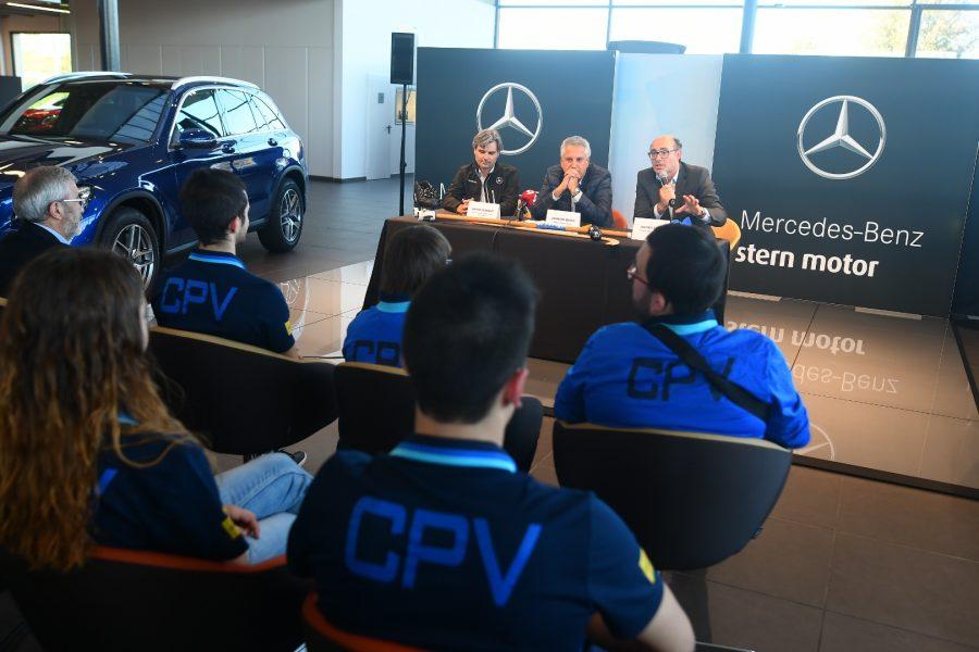 Mercedes patrocinará el CP Voltregà los próximos tres años