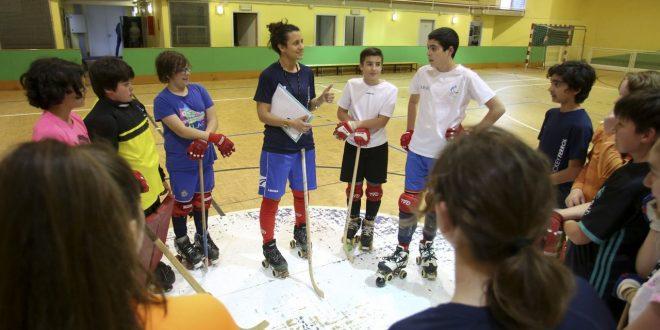 Clases para iniciarse en el hockey en Mugardos