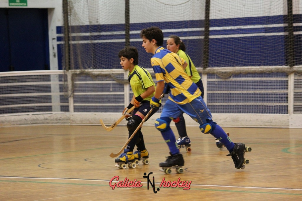Partido de la Liga Autonómica  Infantil 1ª   Compostela B Y Compañia A 10-10-2015